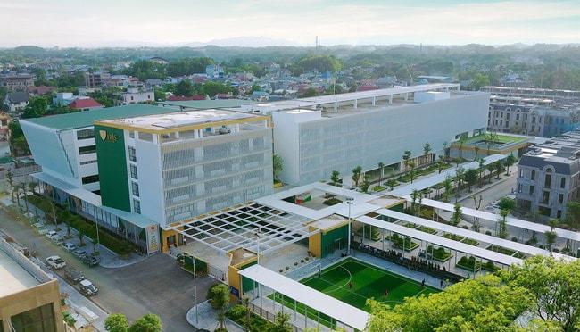 Crown Villas tọa lạc tại số 586, đường Cách mạng Tháng Tám, phường Gia Sàng, TP. Thái Nguyên